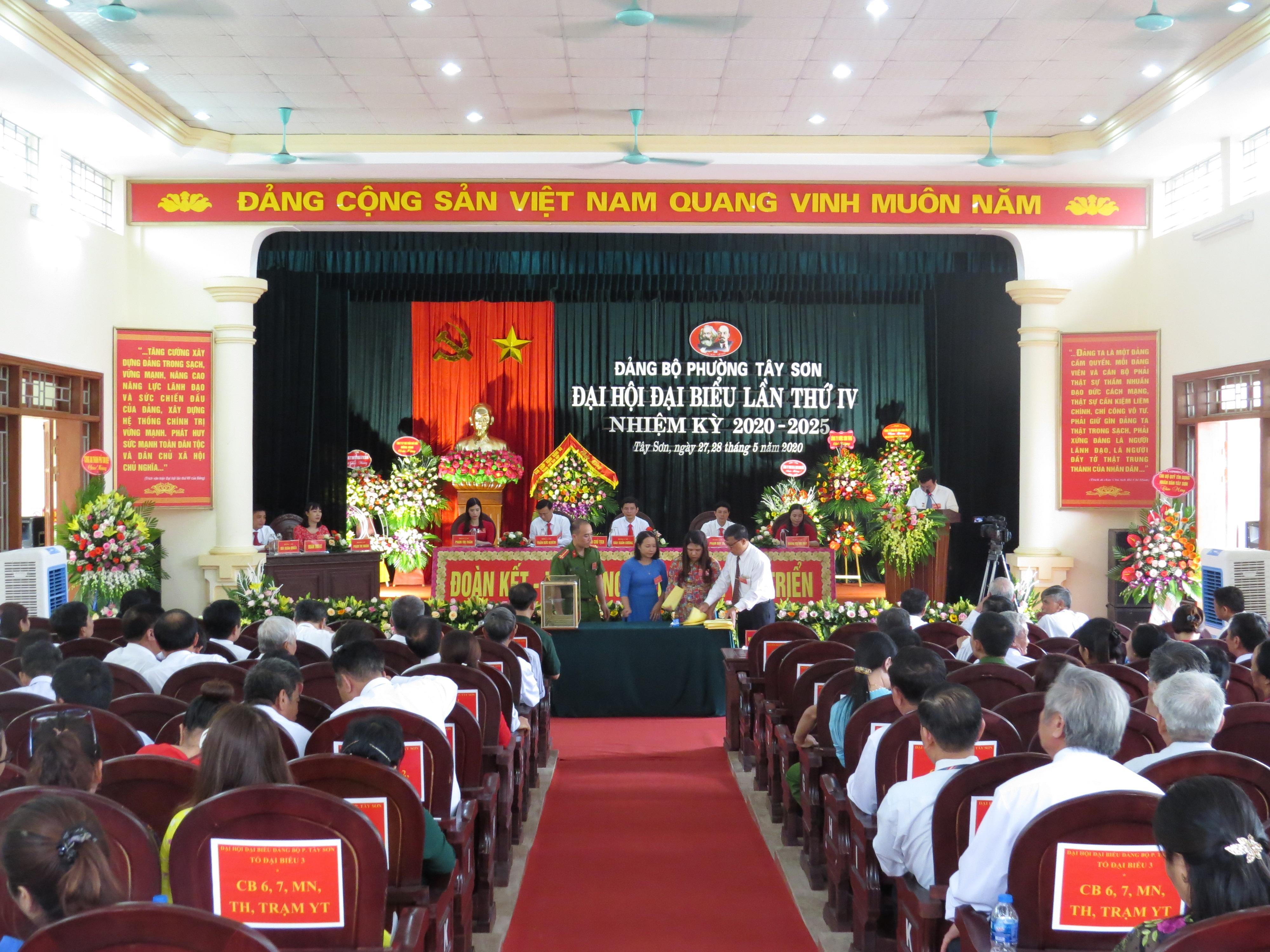 Đại hội đại biểu Đảng bộ phường Tây Sơn lần thứ IV nhiệm kỳ 2020 – 2025