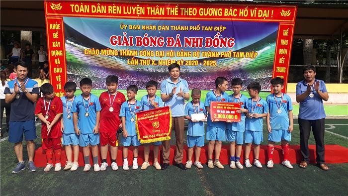 Bế mạc Giải bóng đá Nhi đồng thành phố Tam Điệp năm 2020